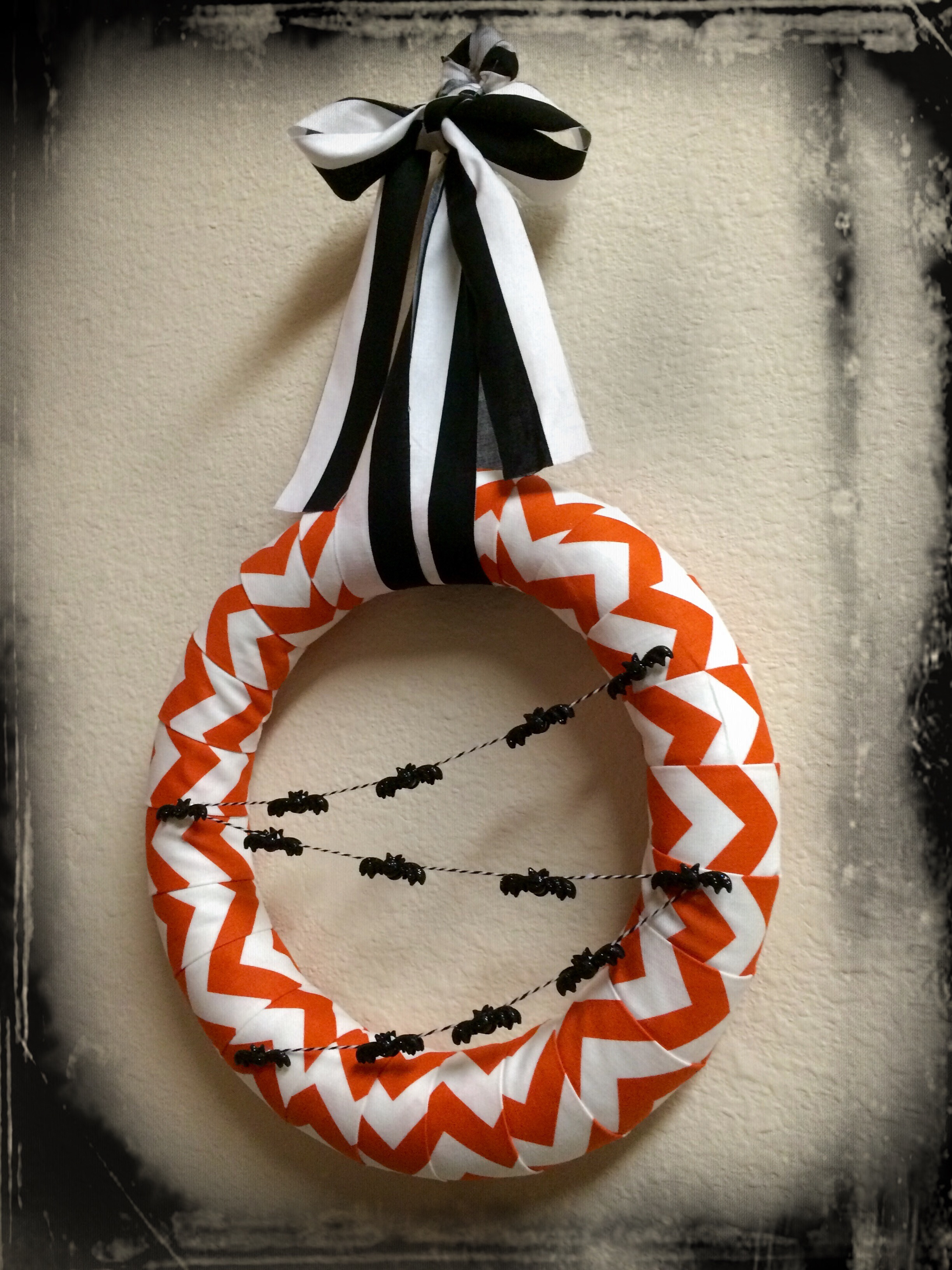 {My Glittery Halloween Chevron Wreath}